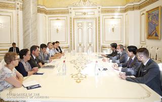 Премьер-министр обсудил с международными экспертами вопросы реализации реформ в сфере правосудия