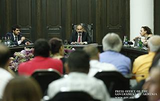 La Conférence de presse de Nikol Pashinyan, Premier ministre de la RA