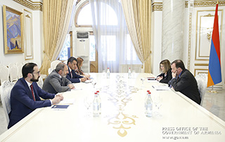 Prime Minister receives U.S. and UK Ambassadors to Armenia