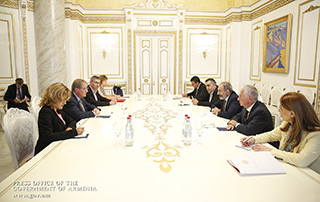 PM receives French Senate's France-Armenia Friendship Group delegation