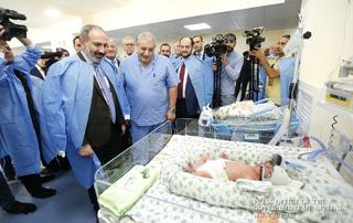 Nikol Pashinyan attends Shengavit Medical Center opening ceremony