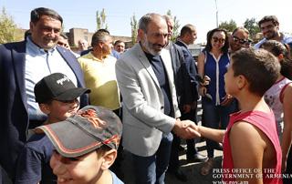 Премьер-министр посетил предприятия Армавирской и Арагацотнской областей