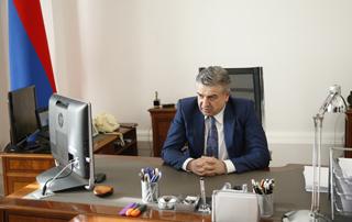 Карен Карапетян и Президент РФ Владимир Путин провели телефонный разговор