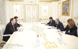 Prime Minister Nikol Pashinyan receives U.S. Ambassador Richard Mills