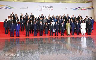 Премьер-министр встретил участников 17-го саммита Международной организации Франкофонии