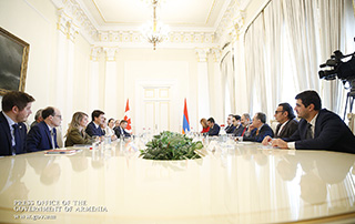 High-level talks between Armenian and Canadian Prime Ministers continued in Yerevan
