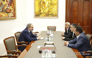 PM Pashinyan, ARF Dashnaktsutyun representatives discuss political situation in the country