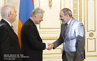 Никол Пашинян принял управляющего директора по делам Европы и Центральной Азии ЕСВД Томаса Майер-Хартинга