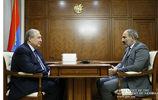 Nikol Pashinyan, Armen Sarkissian discuss issues related to political situation in Armenia