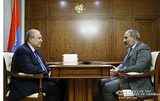 Никол Пашинян и Армен Саркисян обсудили связанные с внутриполитической ситуацией вопросы
