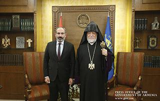 La rencontre entre Premier ministre par intérim de l'Arménie, Nikol Pashinyan, et  Sa Sainteté Aram Ier, Catholicos de la Grande Maison de Cilicie, a eu lieu à Antélias.
