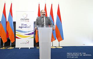 Никол Пашинян высоко оценил работу волонтеров, участвовавших в организации 17-го саммита Франкофонии