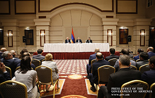 """""""The realization of national potential is to be the most important result of our revolution"""" - Nikol Pashinyan meets with Armenian community representatives in Kazakhstan"""
