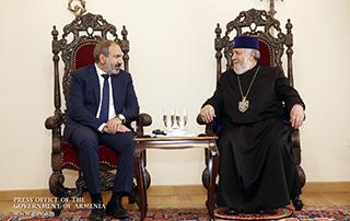 Никол Пашинян встретился с Верховным Патриархом и Католикосом Всех Армян Гарегином Вторым