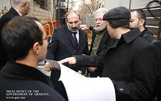 «Հին Երևան» ծրագիրը պետք է իրականացվի առանց որևէ պատմամշակութային հուշարձան  քանդելու. Նիկոլ Փաշինյանը շրջայց է կատարել Արամի, Բյուզանդի և Կողբացի փողոցներով