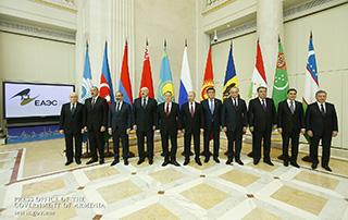 Никол Пашинян принял участие в неформальной встрече глав государств-членов СНГ
