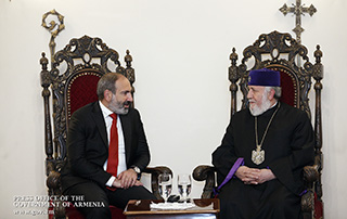 Nikol Pashinyan meets with Karekin II, Supreme Patriarch and Catholicos of All Armenians