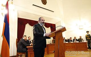 Никол Пашинян поздравил сотрудников СНБ с профессиональным праздником