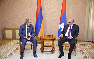 """Our efforts should aim the soonest possible international recognition of the Republic of Artsakh"" - Nikol Pashinyan meets with Bako Sahakyan"