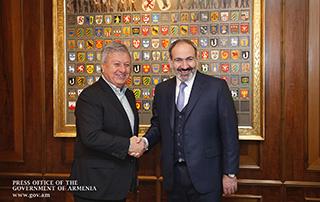 Nikol Pashinyan a discuté des questions liées à la mise en œuvre  de différents projets d'investissement en République d'Arménie avec les hommes d'affaires  à Zurich