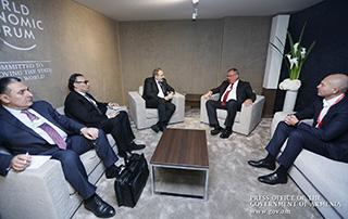 Премьер-министр продолжает встречи в рамках Всемирного экономического форума в Давосе