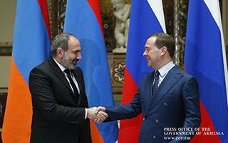 Մոսկվայում կայացել է Նիկոլ Փաշինյանի և Դմիտրի Մեդվեդևի հանդիպումը