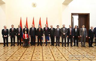 В резиденции президента состоялась церемония принесения клятвы членами правительства Армении