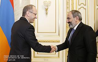 Le Premier ministre et l'Ambassadeur de Suisse en Arménie ont discuté des questions de développement de la coopération