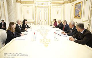 Նիկոլ Փաշինյանն ընդունել է ԱՄՀ հայաստանյան առաքելության ղեկավար Հոսեյն Սամիեիին