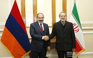Նիկոլ Փաշինյանը հանդիպում է ունեցել Իրանի Մեջլիսի նախագահ Ալի Լարիջանիի հետ