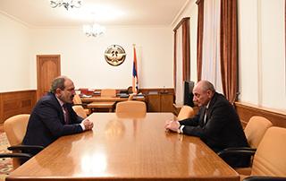 Nikol Pashinyan meets with Bako Sahakyan in Stepanakert