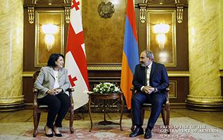 У нас есть историческая возможность поднять отношения между нашими странами на новый уровень: премьер-министр Армении президенту Грузии