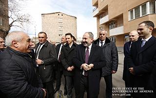 Nikol Pashinyan était présent à l'inauguration d'un immeuble d'habitation construit par «Grand Holding»