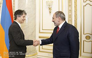 PM receives American-Armenian businessman and philanthropist James Tufenkian