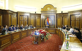 Nikol Pashinyan: « Il faut  comprendre quels types de projets  ciblés nous devons réaliser  pour améliorer la situation démographique »