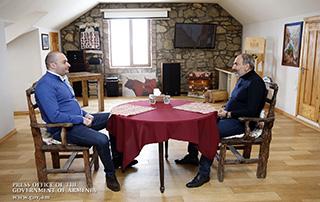 La rencontre informelle entre  Nikol Pashinyan et  Mamouka Bakhtadze a eu lieu à Enokavan