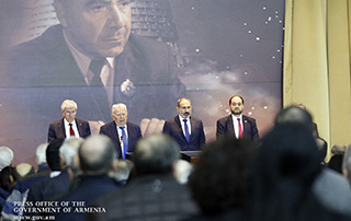 """""""We will try to integrate as much as possible the research component into higher education"""" - PM attends Annual Meeting of NAS"""