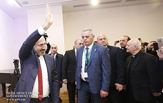 PM meets with Armenian community representatives in Vienna; Nikol Pashinyan refers to his meeting with Ilham Aliyev