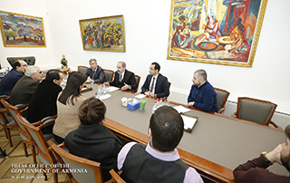 """We must all act in the logic of law"" - PM receives National Academic Opera and Ballet Theater staff"