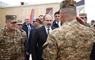 Les nouveaux équipements techniques  militaires des Forces armées de la République d'Arménie ont  été présentés au Premier ministre