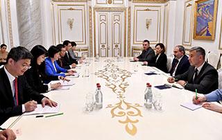 Никол Пашинян принял вице-председателя Постоянного комитета Всекитайского собрания народных представителей Китайской Народной Республики
