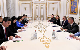 Nikol Pashinyan receives PRC National People's Congress Standing Committee Vice-Chairperson