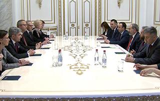 Le Premier ministre et le président de Bundesverfassungsgericht ont discuté de questions liées à la coopération dans le domaine juridique
