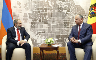 Nikol Pashinyan, Igor Dodon discuss issues of Armenian-Moldovan cooperation
