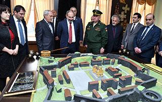 Dans le cadre de sa visite de travail à Gumri, Nikol Pashinyan a visité la 102e base militaire russe, la gare routière de la ville et l'aéroport «Chirak»
