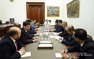Премьер-министр провел совещание с губернаторами
