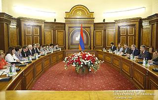 Премьер-министр принял руководителей структур ООН в Армении во главе с Шомби Шарпом