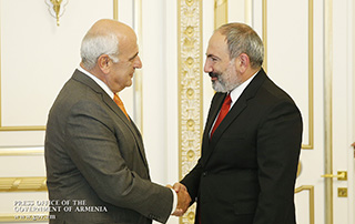 PM receives AGBU President Perch Sedrakian