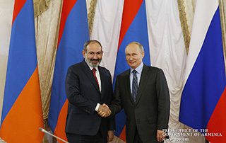 Nikol Pashinyan, Vladimir Putin meet in St. Petersburg; bilateral agenda discussed