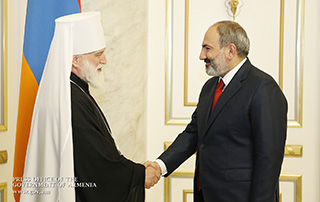 Prime Minister Pashinyan hosts Patriarchal Exarch of All Belarus